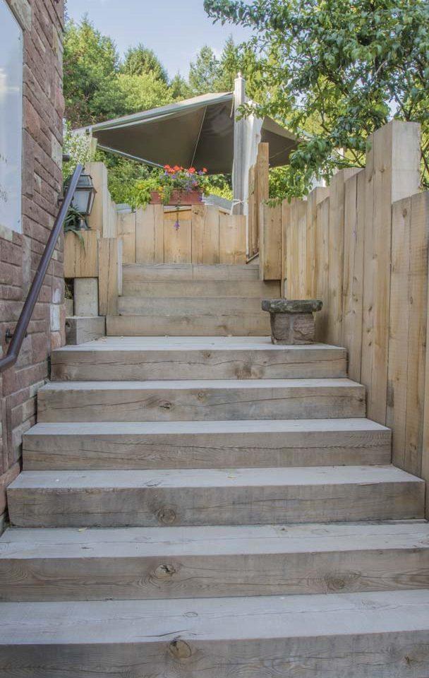 merlet-paysagiste-escalier-exterieur-en-bois2