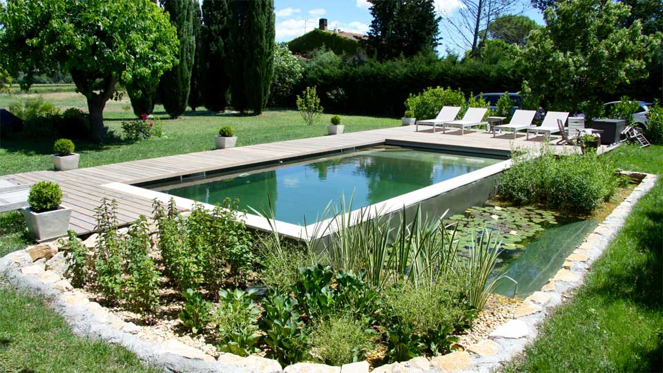 Piscine naturelle merlet paysagiste for Piscine naturelle